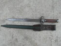 35 M legénységi bajonett , Horthy kori . Horpadásmentes  a hüvely, eredeti a bőr papucs .