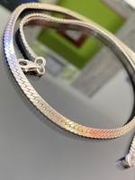 Gyönyörű ezüst nyaklánc-nyakékék