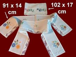 3 db Kalocsai virág mintával kézzel hímzett polccsík, polc csík