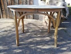 Thonet jellegű ovális kis asztal
