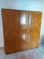 Eredeti egyedi készítésű antik art deco dió gyökér ruhás szekrény
