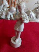 Zsolnay fehér porcelánfigura.Kislány virággal
