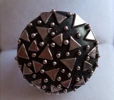 Ezüst gyűrű, extrém fejjel