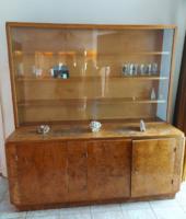 Eredeti egyedi készítésű antik art deco dió gyökér furnéros vitrines szekrény