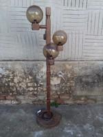 Állólámpa gömb búrákkal fa talpon