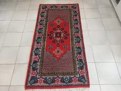 Tunéziai berber  75x150 kézi csomózású gyapjú perzsa szőnyeg Kzm_409