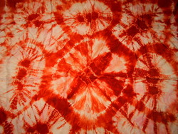 Batikolt selyem kendő  86 cm X 86 cm