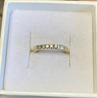 Arany gyűrű gyémántokkal 18k