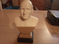 II. János Pál Pápa Büszt.11 cm magas.