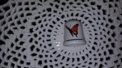 Porcelán gyűszű - pillangós