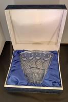 Díszdobozos kézzel csiszolt ólomkristály váza