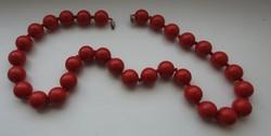 Nagyszemű retro piros műanyag gyöngy nyaklánc
