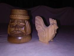 Faragott fa paraszt fej forma ceruzatartó és kakas figura - együtt