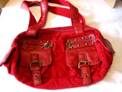 Piros kord bársony táska réz csarokkal, szegecsekkel