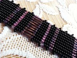 Lila-fekete gyöngy karkötő