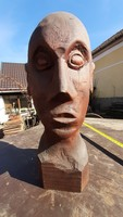 Különleges faragott fa szobor fej