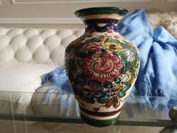 Olasz, toszkán kézzel festett kerámia váza, 25 cm-es majolika