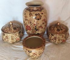 4 darabos porcelán DÍSZTÁRGY SZETT