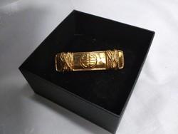 Eredeti Givenchy Paris- New York jelzésű aranyozott bross