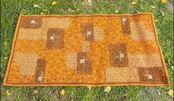 Retro szőnyeg ,  gépi ,  méret 79 x 150  cm.
