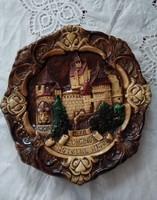 Nagyméretű plasztikus kerámia fali tányér Drakula arcképével, és várával