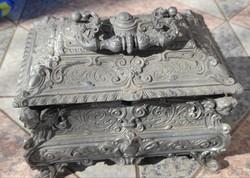 Gyönyörű angyalkák barokkos díszes doboz, mutatós dekorációnak,kinàló, bonbon cukortartó cukordoboz
