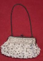 Ezüstös fém keretes alkalmi táska, retikül