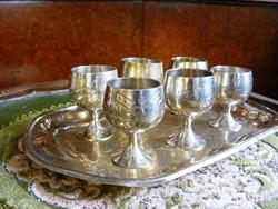 Antik, ezüstözött talpas pohár készlet, 6 db pálinkás vagy likőrös kehely, hozzáillő tálca