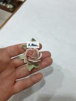 ENSZ porcelán virág