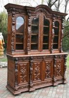 Reneszánsz könyves szekrény