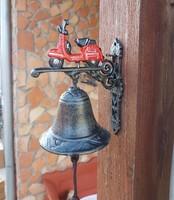 Öntöttvas Vespa motoros csengő  kolomp harang, ajtòdísz