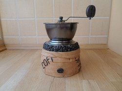 Hagyományos kávédaráló kávéőrlő daráló - érdekes forma