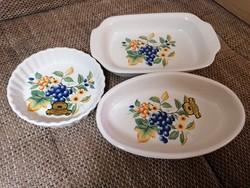 Spanyol, jelzett porcelán tálkák hibátlan állapotban, dobozban. Sosem voltak használva.