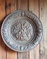 Antik gyönyörű öntvény vas tàli,fali vagy kínáló célra. Görög mitológia, Diána vadàszat istennő