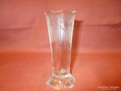 Kis üveg váza