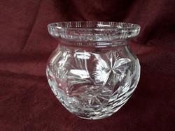 Gömbölyű, csiszolt ólomkristály váza