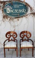 Frissen kárpitozott biedermeier stílusú karosszékek párban