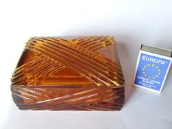 Régi, borostyánszínű, nehéz üveg fedeles doboz, bonbonier