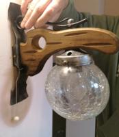 Falikar vas és fa testtel, repesztett üveg búrával nagyon szép állapotban
