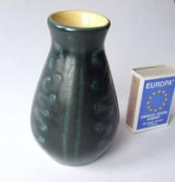 Régi, retró, ritkábban előforduló, picike, mini Tófej kerámia váza