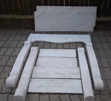 Kandalló előtét, ruskicai márvány
