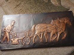 Lóval és ekével szántó férfi. Vörösréz lemez dombormű, relief. Nagyon szép, nagyméretű alkotás