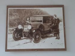 Veterán autó és divatfotó nyomat az 1930 -as évekből üveglap keretben