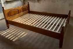 Tömörfa ágykeret ráccsal