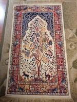 Eredeti Herat 'Art Silk' szőnyeg életfa mintával, állatmotívumokkal, hibátlan állapotban, címkével