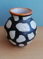 Dekoratív kerámia váza