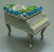 B357 Porcelán zongora ékszertartó