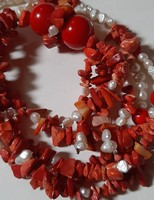 Korál és tenyésztett gyöngyből ,készült artdeco stílusú nyaklánc!