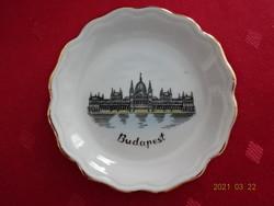 Aquincumi porcelán asztalközép, emlék Budapestről. A képen a parlament látható.