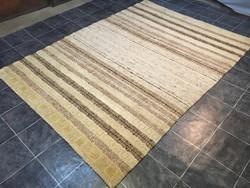Domború mintás kézi szövésű gyapjú szőnyeg, 206 x 288 cm